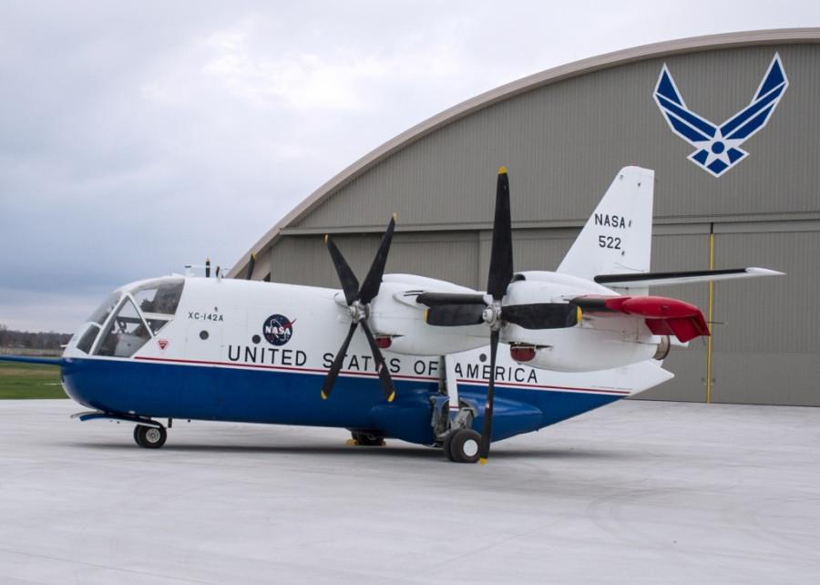 Chance-Vought LTV XC-142A транспортный самолёт с ВВП. 1964г.