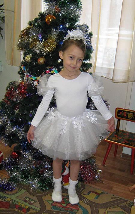 Новогодние костюмы снежинки своими руками для девочек