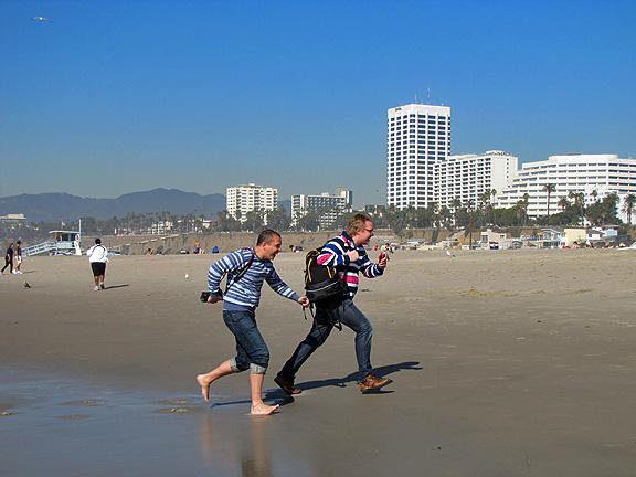 Съемки Стиллавина на берегу Тихого океана в городе Санта Моника.