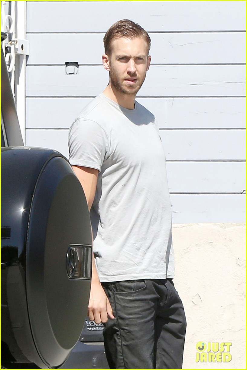 calvin-harris-teases-new-music-video-with-super-hot-shirtless-pics-08
