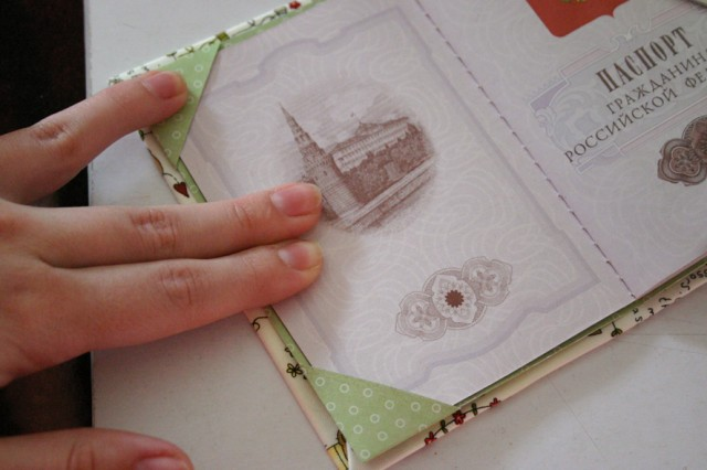 Как украсить паспорт своими руками 41