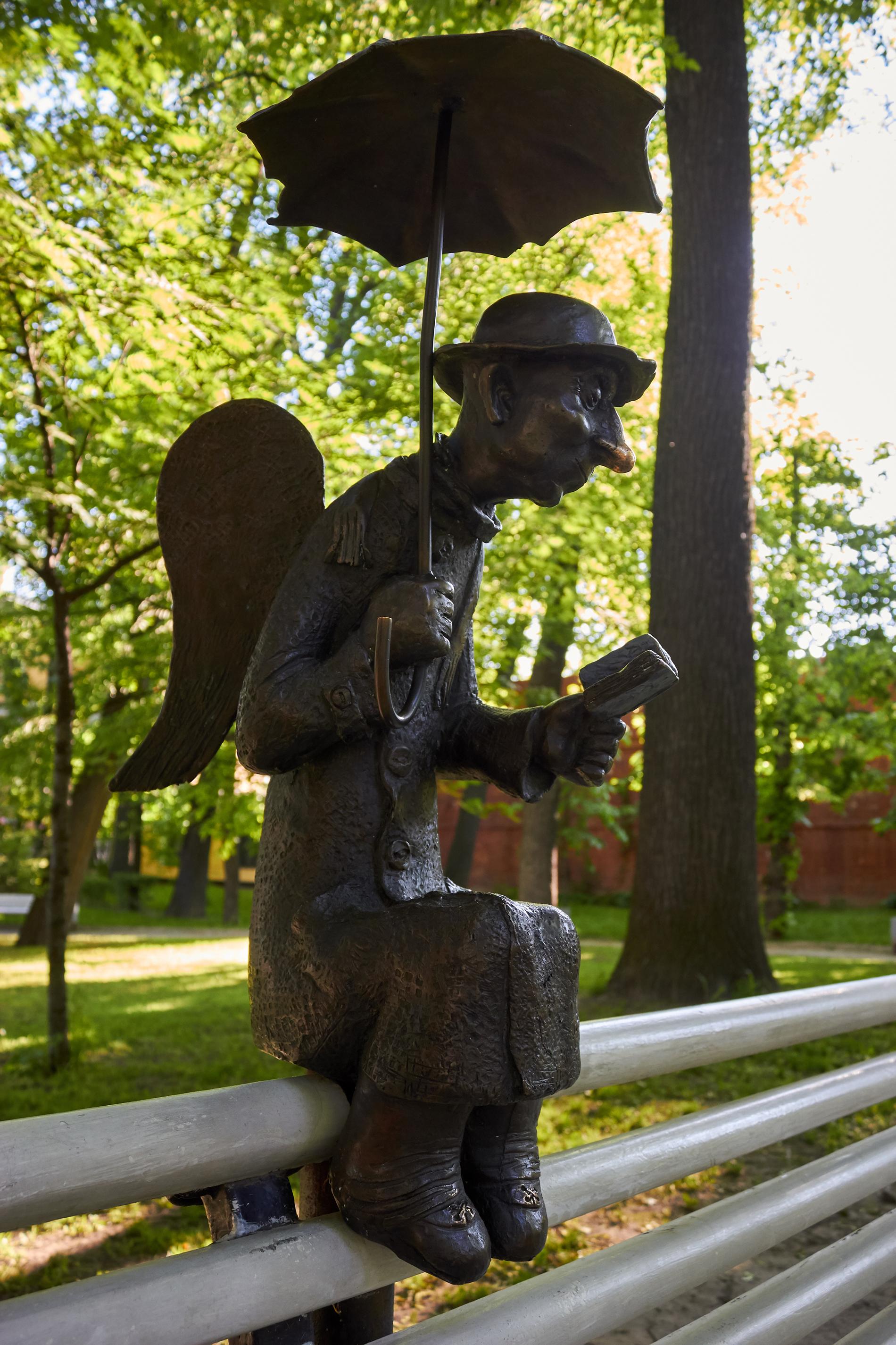 Петербургский ангел в Измайловском саду