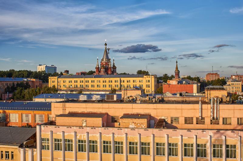 Вид с колеса обозрения в сторону Михаило-Архангельского собора