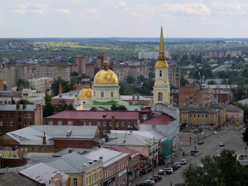 Вид с колеса обозрения в сторону собора Александра Невского