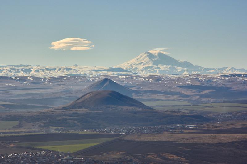 Вид на Эльбрус с горы Машук