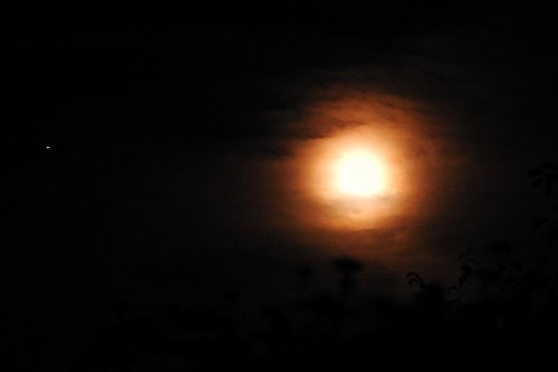 4. Марс вблизи Луны