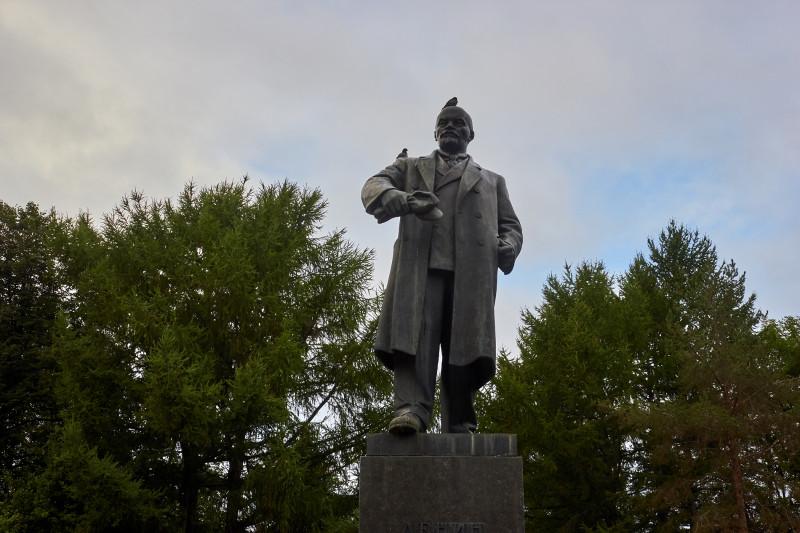 Памятник В.И. Ленину. Пермь, август, 2014.