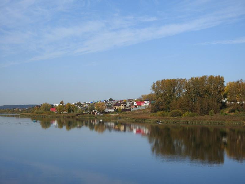 Противоположный берег пруда в Пирогово