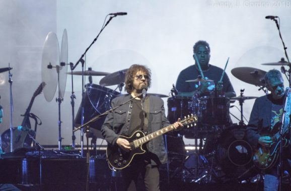 Rock'n'roll legends  -ELO in concert LA Forum,Inglewood