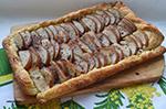Теплый слоеный десерт из груш с шоколадом