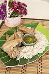 Куриные крылья с мятным чатни и индийским рисом
