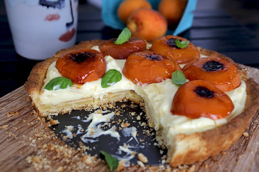 basil_apricot_tart1.jpg