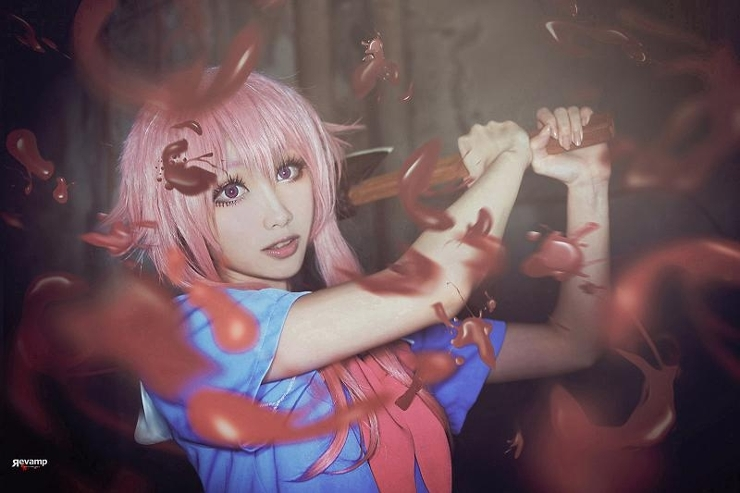 Two Forms Of Mirai Nikki Yuno Gasai Cosplay