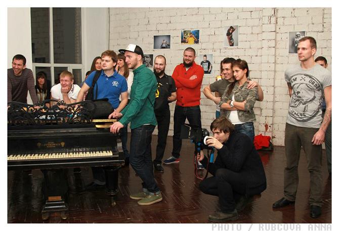 http://ic.pics.livejournal.com/lady_lads/10378739/804813/804813_original.jpg