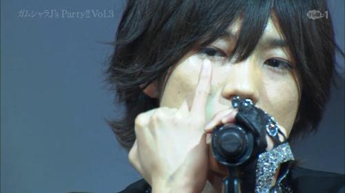 Yasui Kentaro - Kizuna.ts_snapshot_01.03_[2014.06.20_01.06.17]