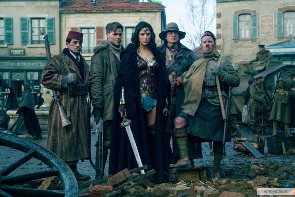 kinopoisk.ru-Wonder-Woman-2958435