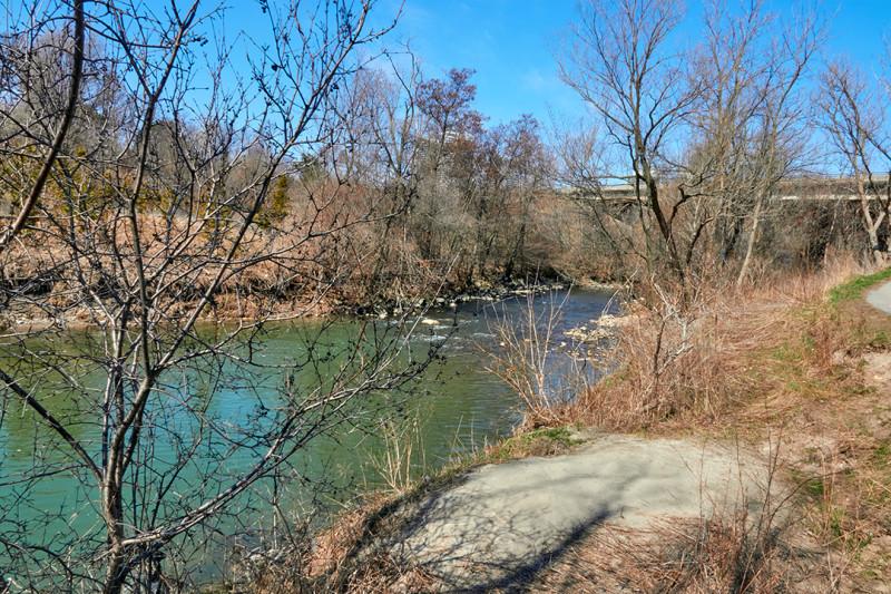 Парк на берегу реки Дон, Торонто