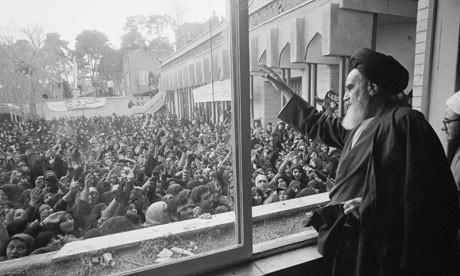 Ayatollah-Khomeini-Return-008