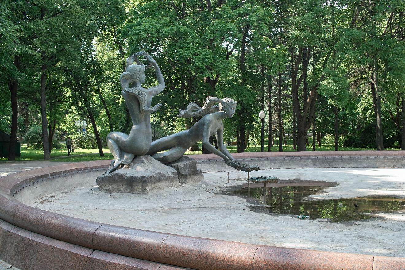 SDIM1207-фантан-вянок-менск-парк-янкі-купалы