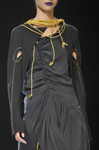 Yohji+Yamamoto+Spring+2012+Details+gUslg8uDU9Al