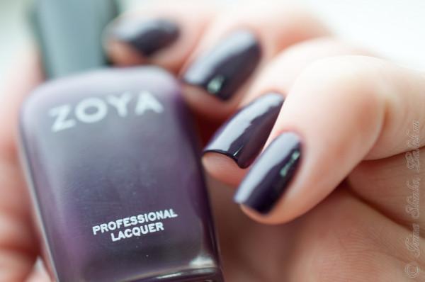Zoya_Monica