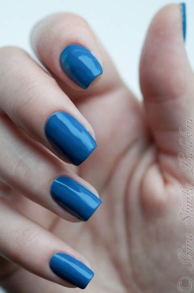 Nubar_Royal_Blue
