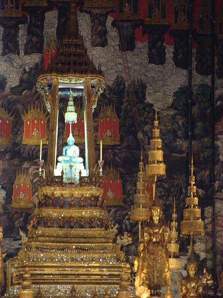 450px-EmeraldBuddha-Thailand-PeterMaas