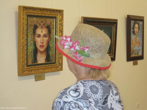 В Музее Радищева - Никас Сафронов авг.2011 003