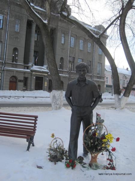 Именно из этого Дома пионеров и школьников в 1953г.  Олег Табаков отправился покорять Москву. IMG_3609