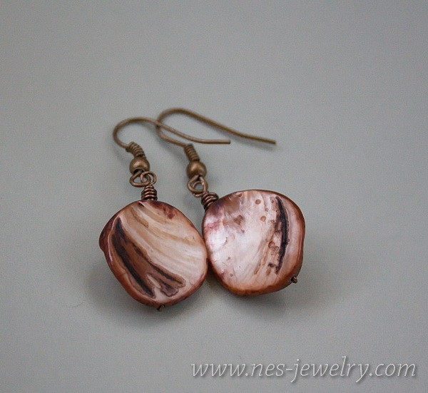 Earrings brown mother of pearl 2