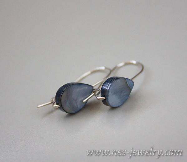 Earrings grey drop mother of pearl 2