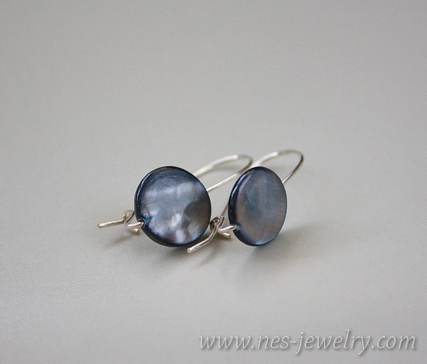 Earrings grey mother of pearl 3