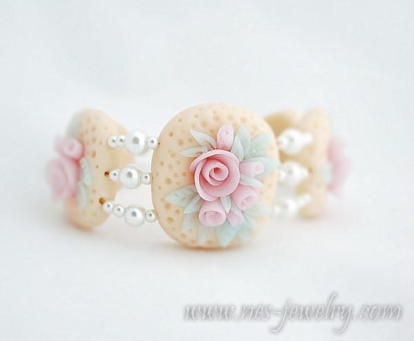 Vintage style bracelet filigree roses pastel tones 2