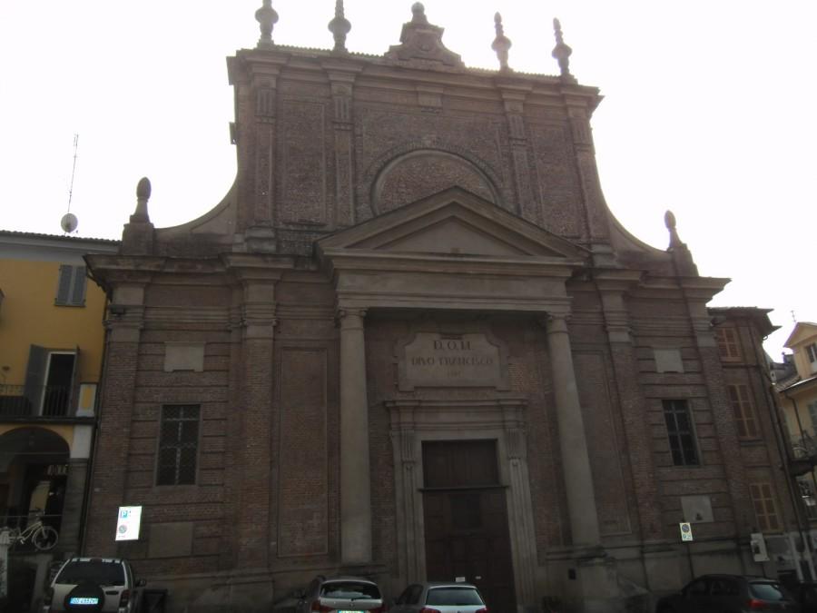 Собор Св. Франческо, заложенный в начале 13 века:
