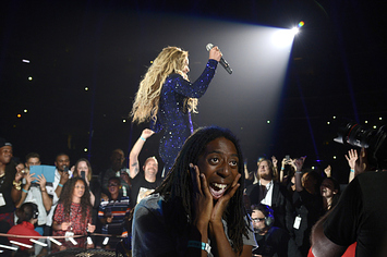 this-ecstatic-beyonce-fan-is-all-of-us-1-17832-1372792250-29_big