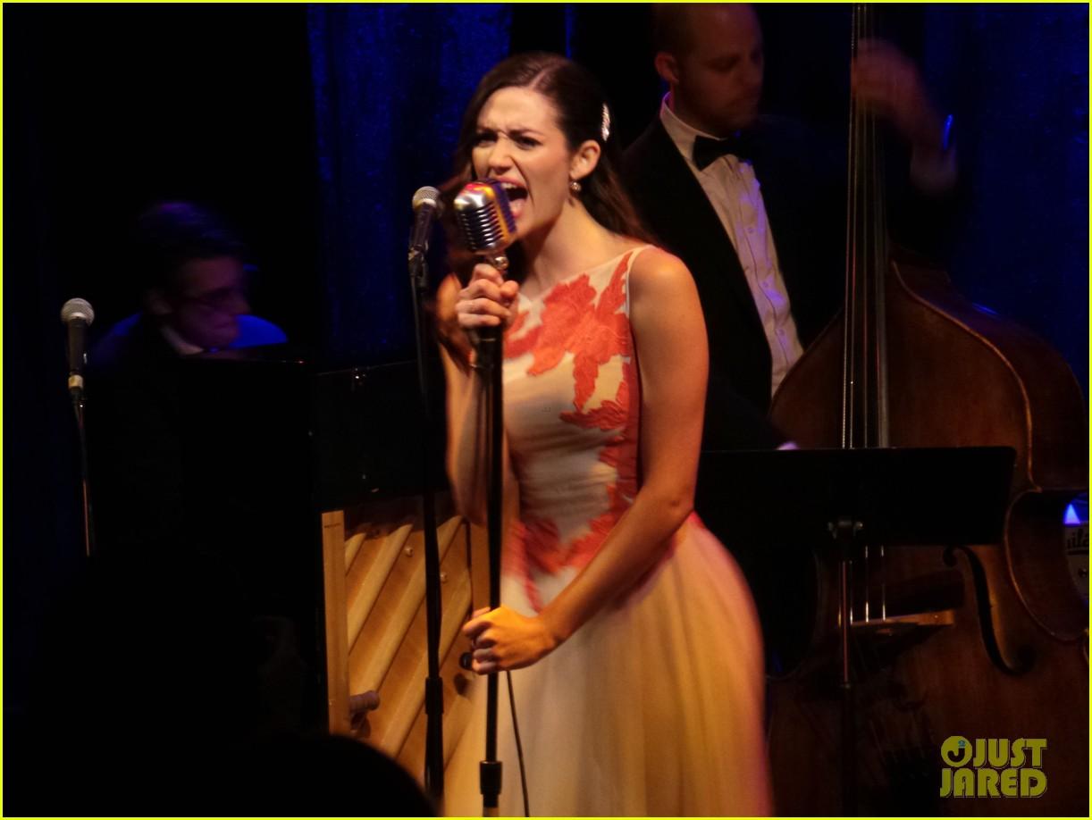 emmy-rossum-sayers-club-performance-02