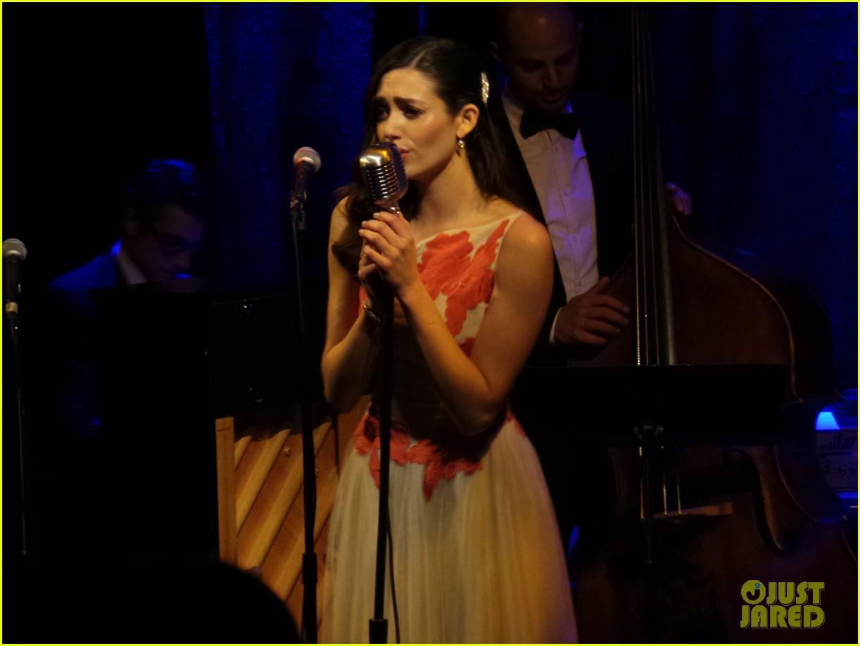 emmy-rossum-sayers-club-performance-04
