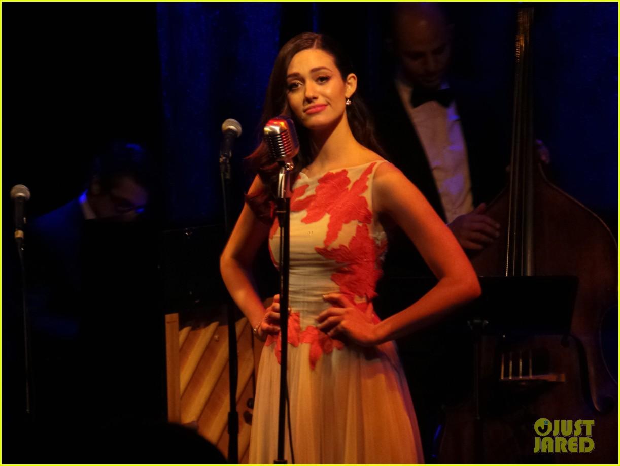 emmy-rossum-sayers-club-performance-08
