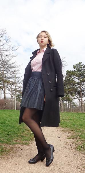 Задралась юбка слишком высоко фото 180-35