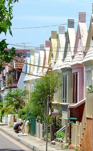06748f5e4706fcc95a30fc15d806257f--victorian-terrace-victorian-houses