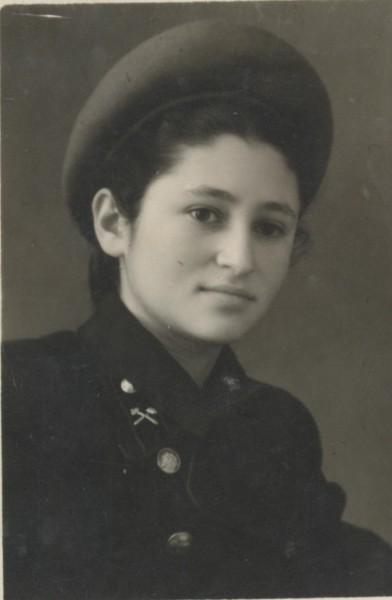 Люба в техникуме, 1952