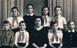 Женя в детской библиотеке, 1957 год