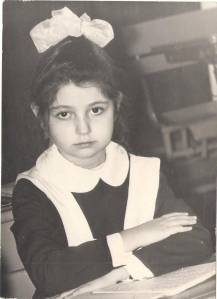 Лара, первый раз в первый класс