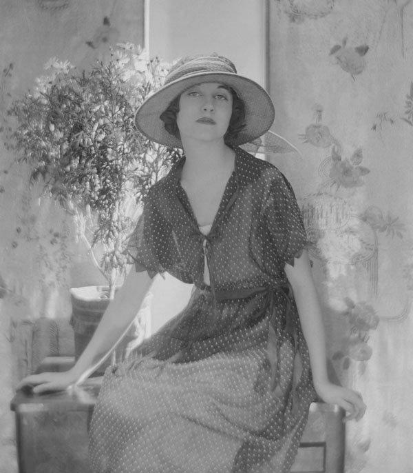 53695924_April_1921_Vogue_62142313_large