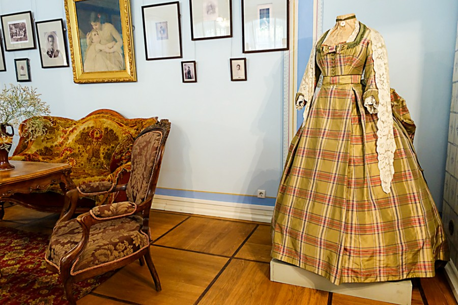 знакомство пушкина со своей женой