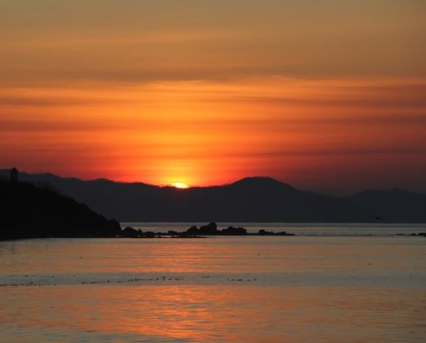 Восход Солнца 22.12.2019 - в День зимнего солнцестояния. Фото Филиппа Романова