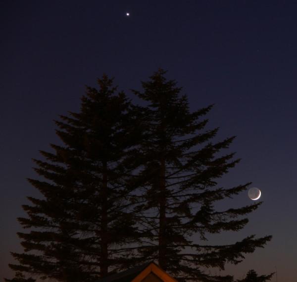 Луна и Венера - вечером 28.12.2019, в небе над пос. Южно-Морской Приморского края