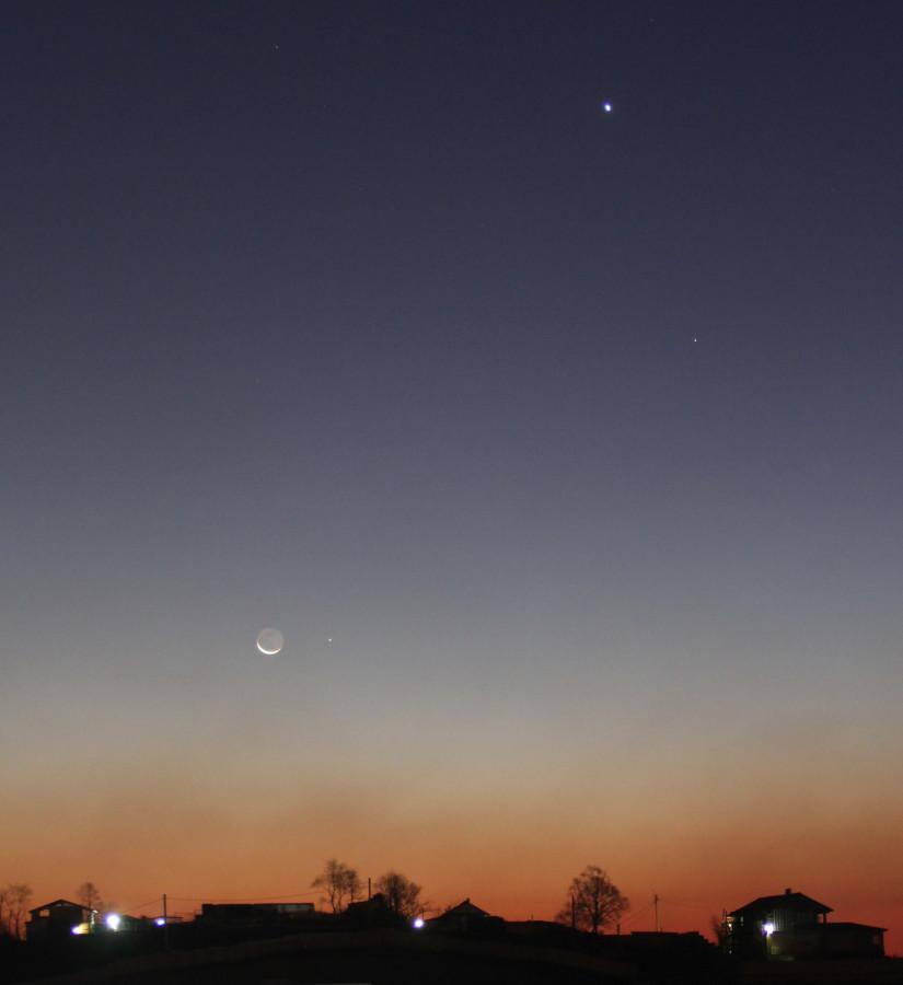 Соединение Луны и планеты Меркурий (в одном фотокадре с планетой Венерой и звездой Спикой) - утром 14.11.2020