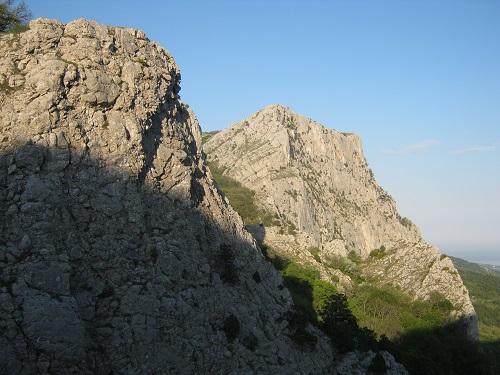 2 - Обрывы над Форосом - одно из мест паломничества скалолазов... причем, не только из Украины