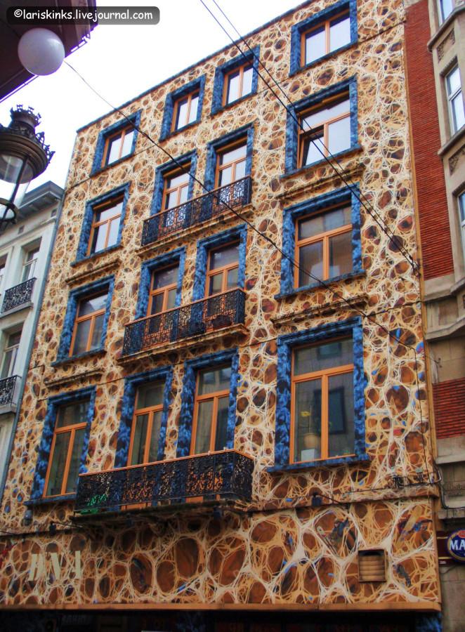 Брюссель - рисунки на стенах